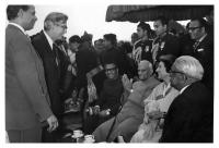 Meeting of Virgilio Barco with Indian Prime Minister, Indira Gandhi, during a visit to India as Executive Director of the World Bank. Foro: S.I., S.F.